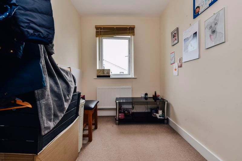 3 bed house for sale in James Avenue 14