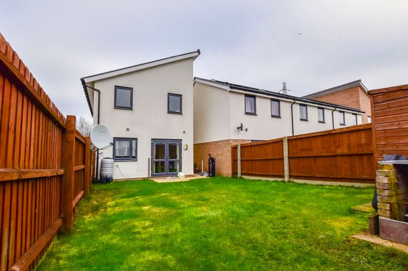 3 bed house for sale in James Avenue 15
