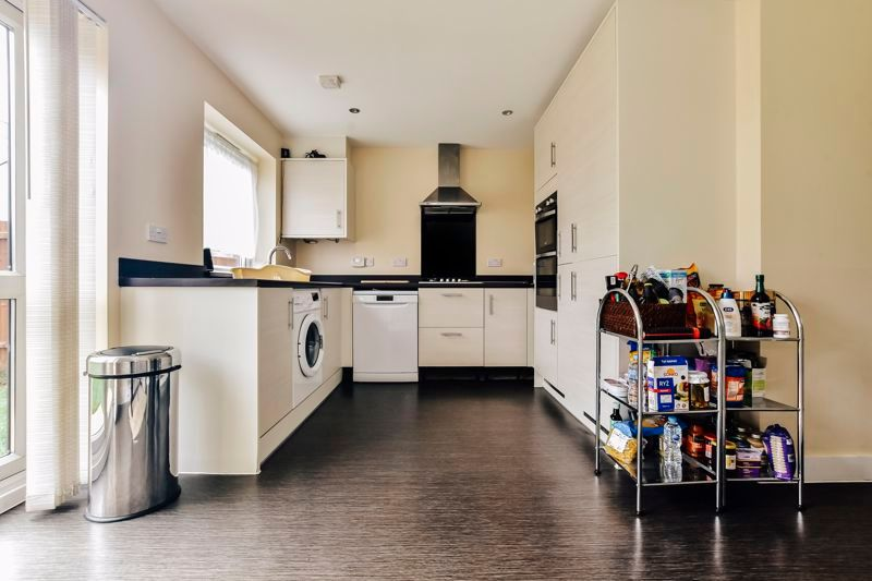 3 bed house for sale in James Avenue 3