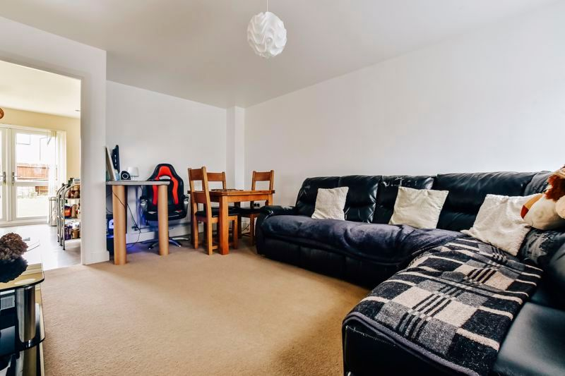3 bed house for sale in James Avenue 5