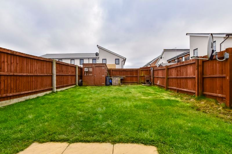 3 bed house for sale in James Avenue 6