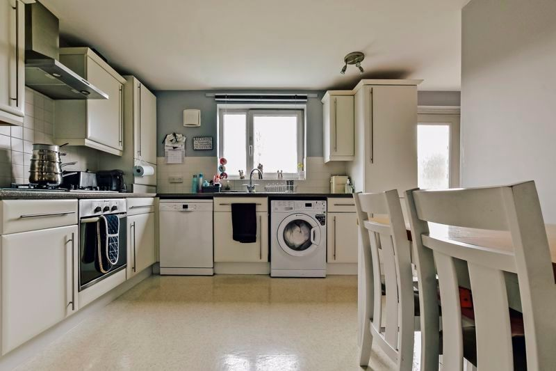 4 bed house for sale in London Road, PE2