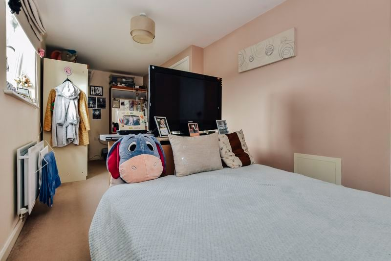 4 bed house for sale in London Road 12