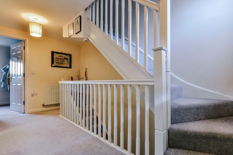4 bed house for sale in London Road 14