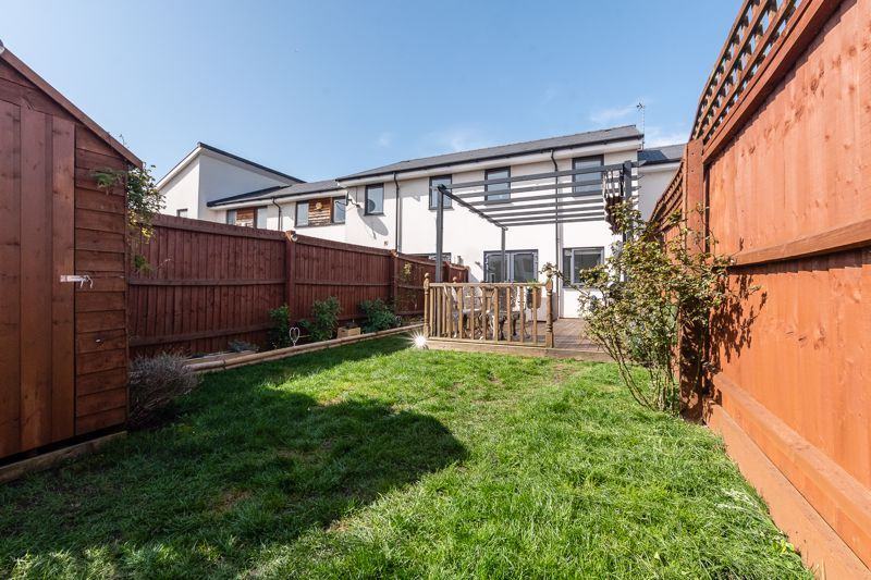 3 bed house for sale in Rudd Close 16