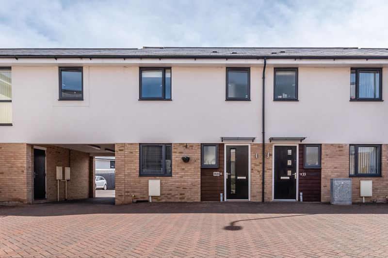3 bed house for sale in Rudd Close 3