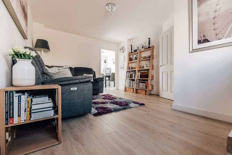 3 bed house for sale in Rudd Close 4