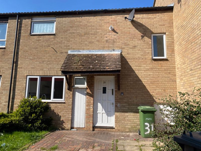 3 bed house to rent in Bringhurst 1