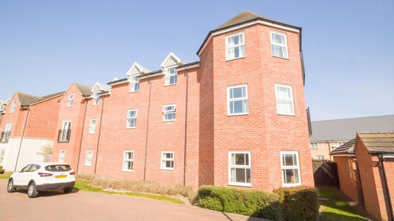 2 bed flat for sale in Verde Close 2