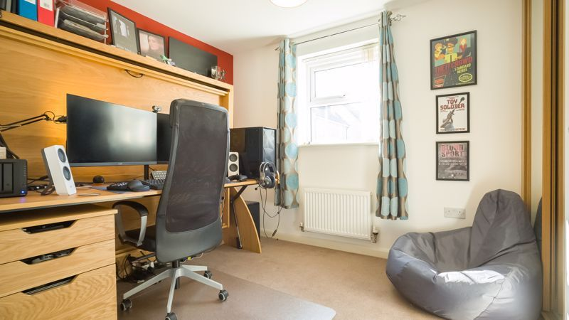 2 bed flat for sale in Verde Close 12