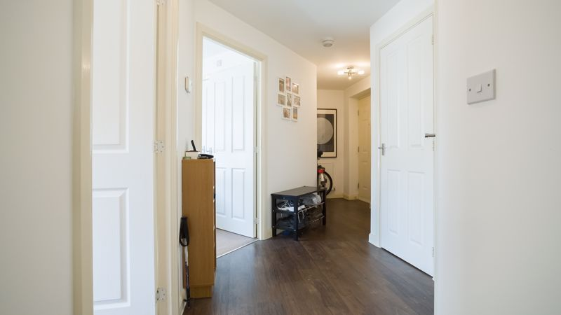 2 bed flat for sale in Verde Close 14