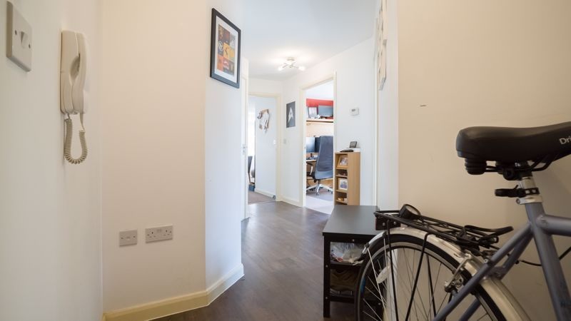 2 bed flat for sale in Verde Close 3