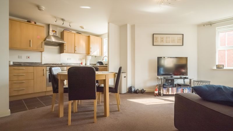 2 bed flat for sale in Verde Close  - Property Image 4