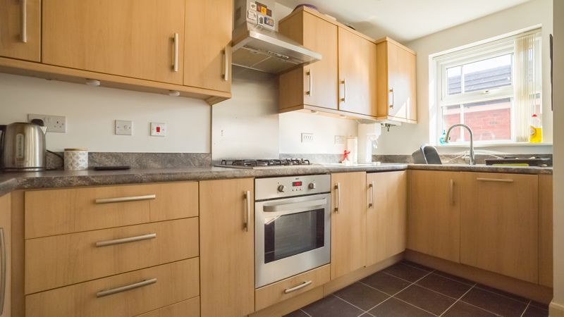 2 bed flat for sale in Verde Close  - Property Image 8