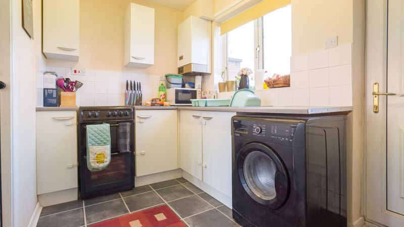 1 bed house for sale in De Bec Close 4