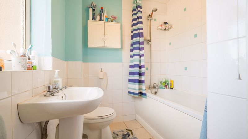1 bed house for sale in De Bec Close 5