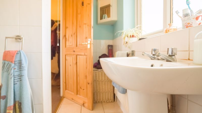 1 bed house for sale in De Bec Close 6