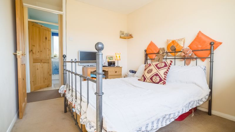 1 bed house for sale in De Bec Close 8