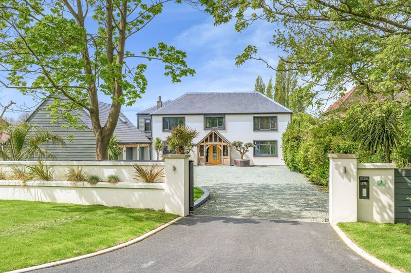 6 bed house for sale in Lincoln Road, PE6