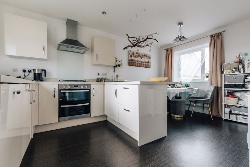 3 bed house for sale in Bradley Way 6
