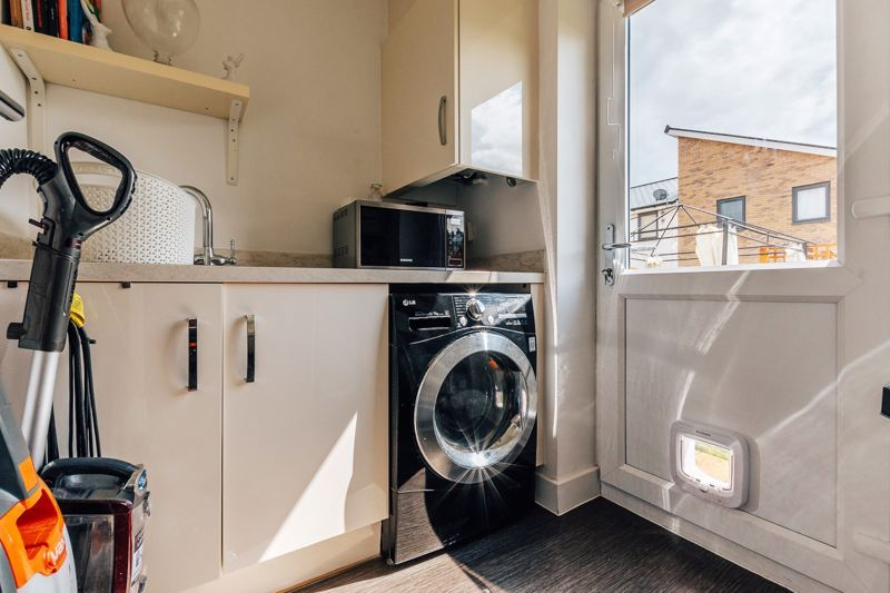 3 bed house for sale in Bradley Way 7