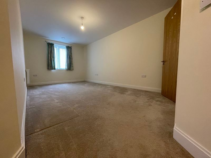 2 bed flat for sale in Kempley Close  - Property Image 11