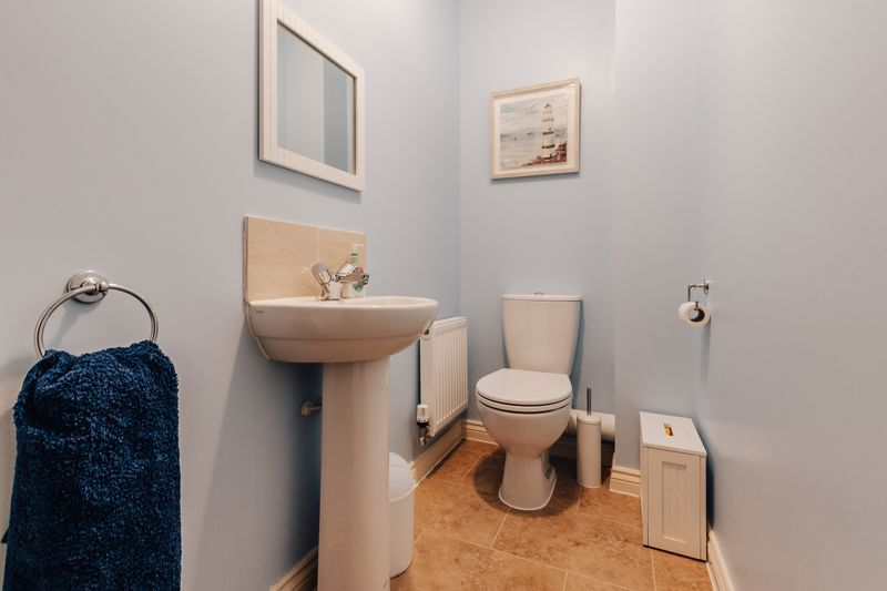 3 bed house for sale in Nairn Drive 17