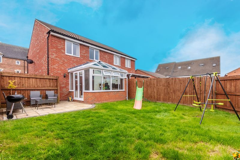 3 bed house for sale in Nairn Drive 18