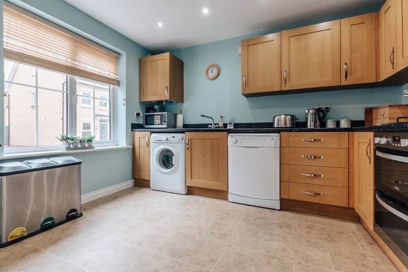 3 bed house for sale in Nairn Drive 4