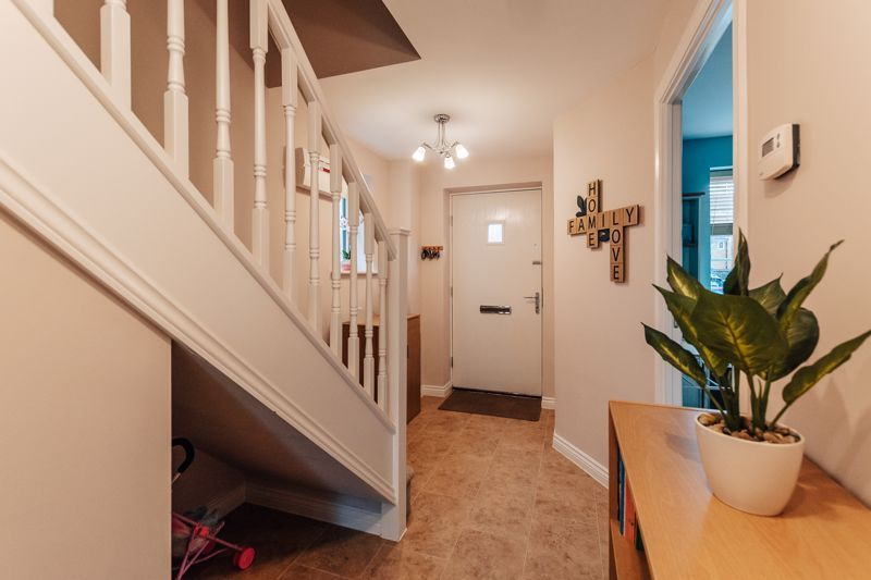 3 bed house for sale in Nairn Drive 6