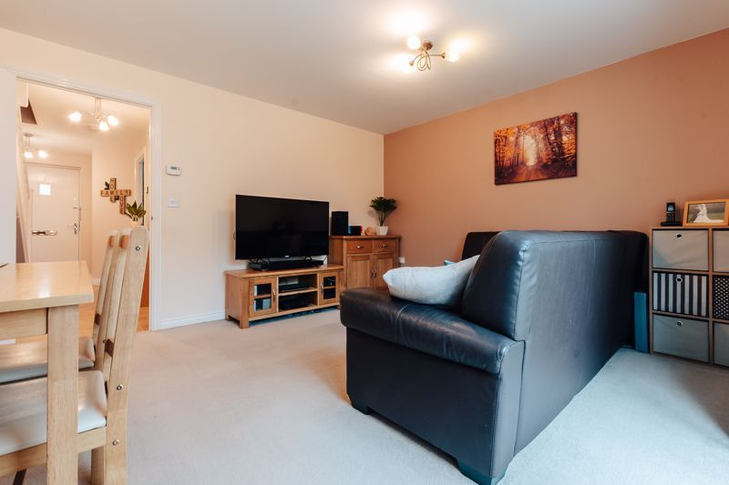 3 bed house for sale in Nairn Drive 8