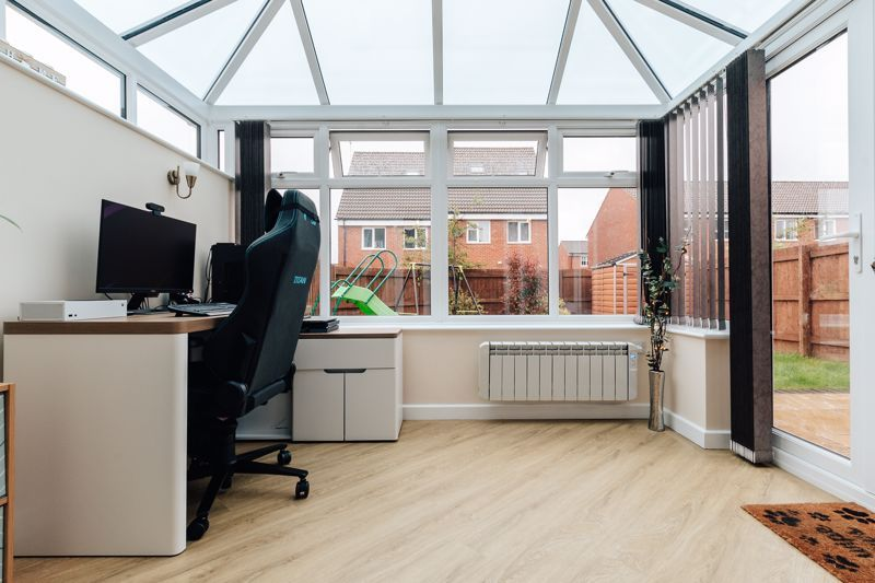 3 bed house for sale in Nairn Drive 9