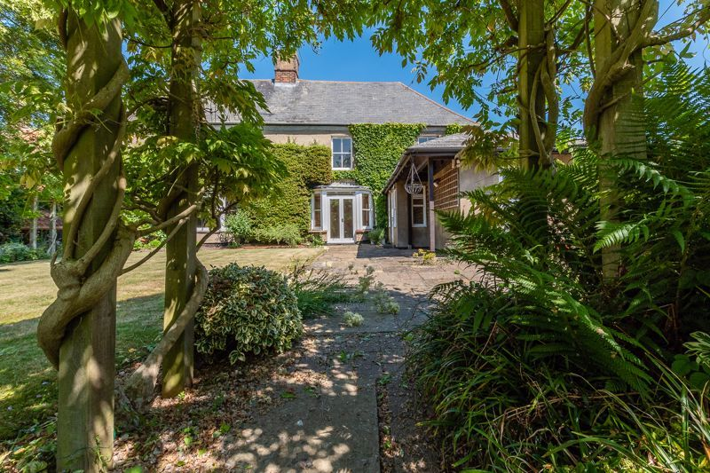5 bed house for sale in High Street, PE7