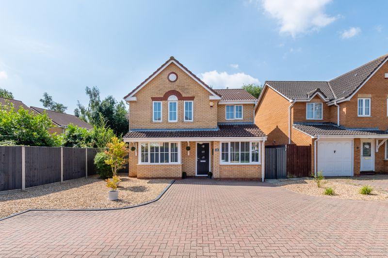 4 bed house for sale in Belton Road 2