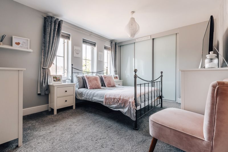 4 bed house for sale in Belton Road  - Property Image 15