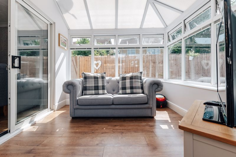 4 bed house for sale in Belton Road 4