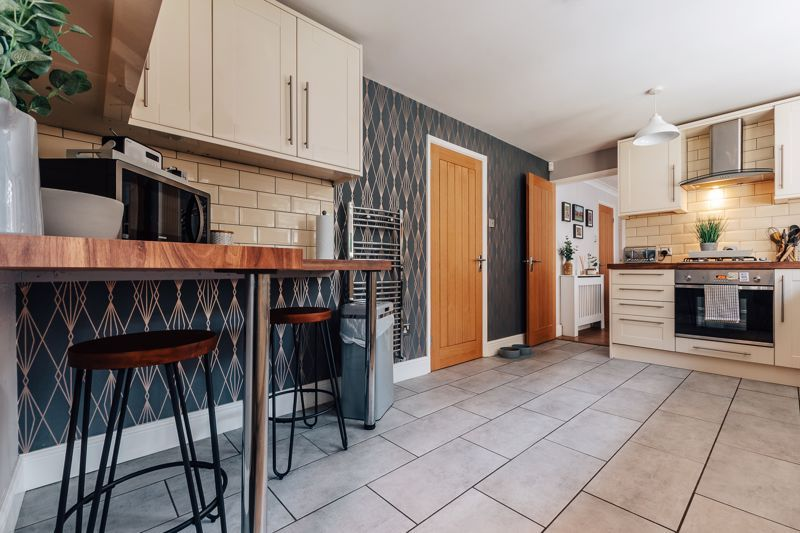 4 bed house for sale in Belton Road 7