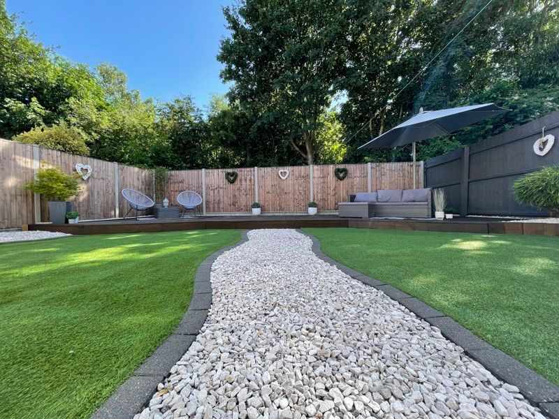 4 bed house for sale in Belton Road 8