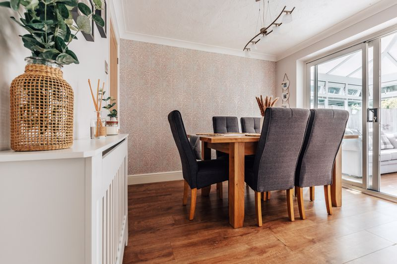 4 bed house for sale in Belton Road 9
