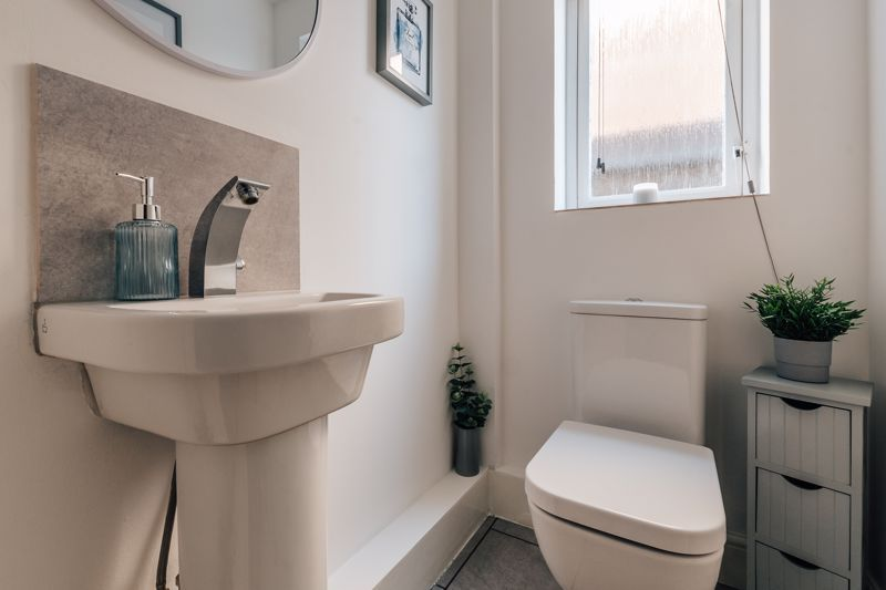 4 bed house for sale in Belton Road 10