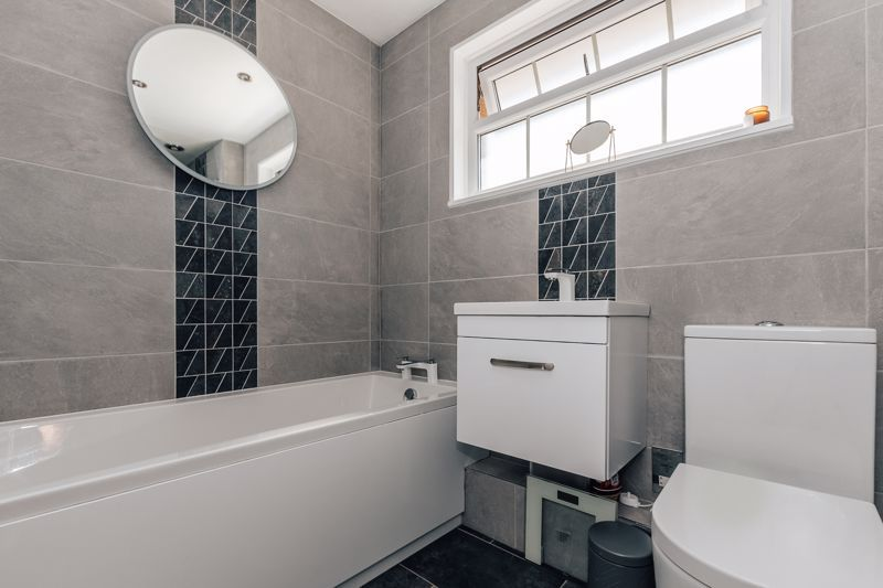 3 bed house for sale in Langford Road 11