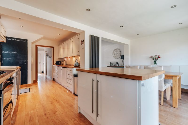 3 bed house for sale in Langford Road 7