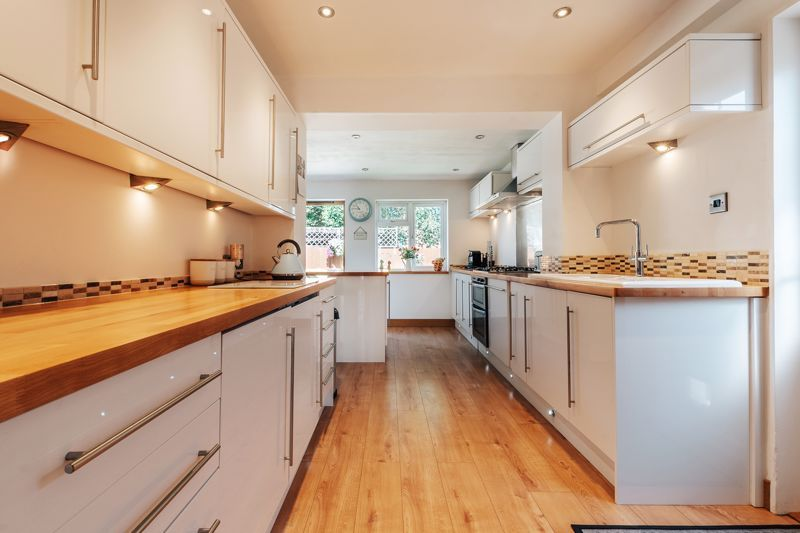 3 bed house for sale in Langford Road 8