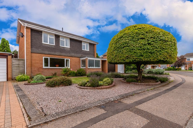 4 bed house for sale in Melford Close, PE3