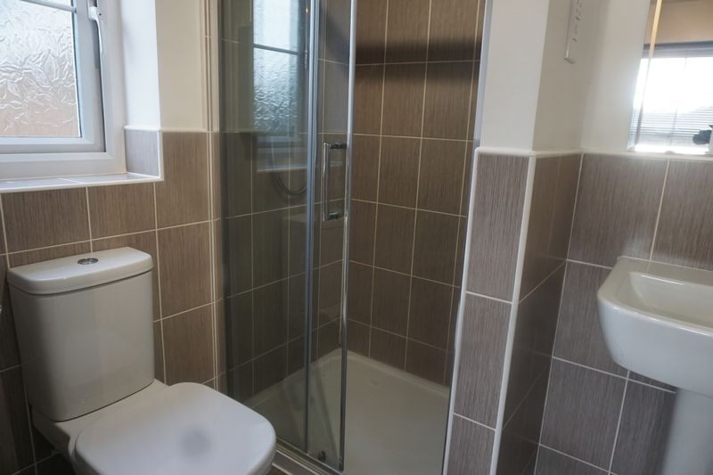 2 bed house to rent in Alder Close 11