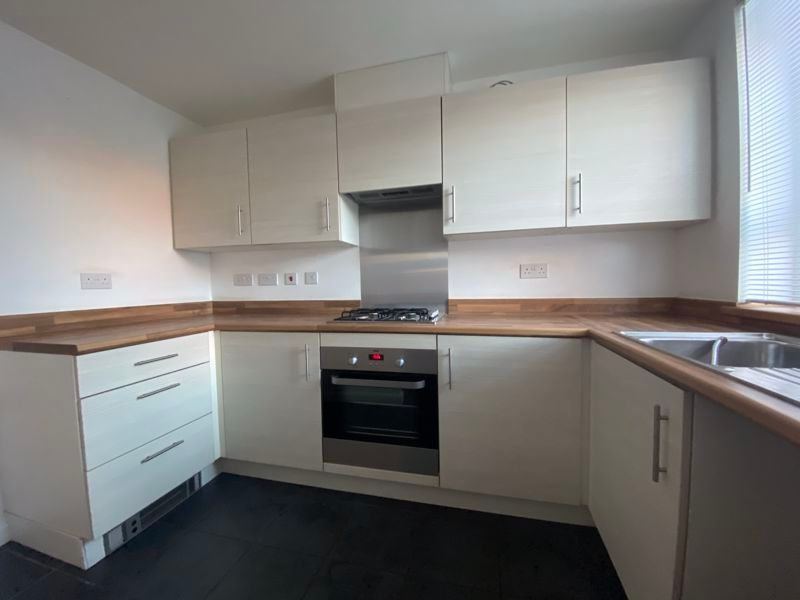 2 bed house to rent in Alder Close 2
