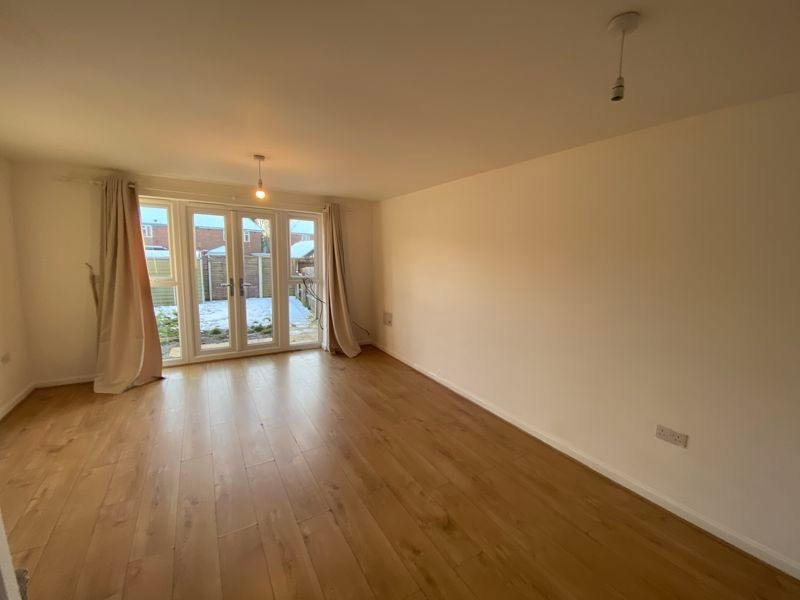 2 bed house to rent in Alder Close 4