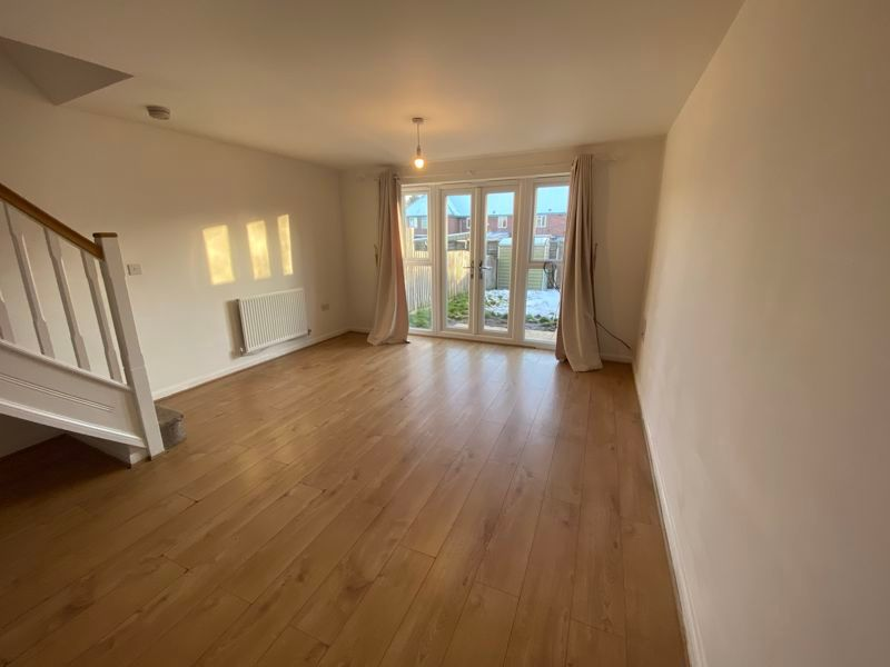 2 bed house to rent in Alder Close 5