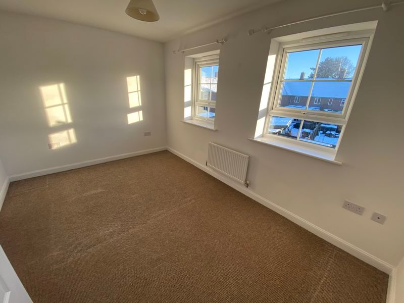 2 bed house to rent in Alder Close 9