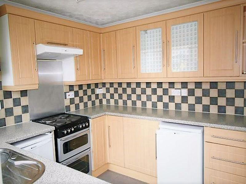 3 bed house to rent in Lavington Grange  - Property Image 4
